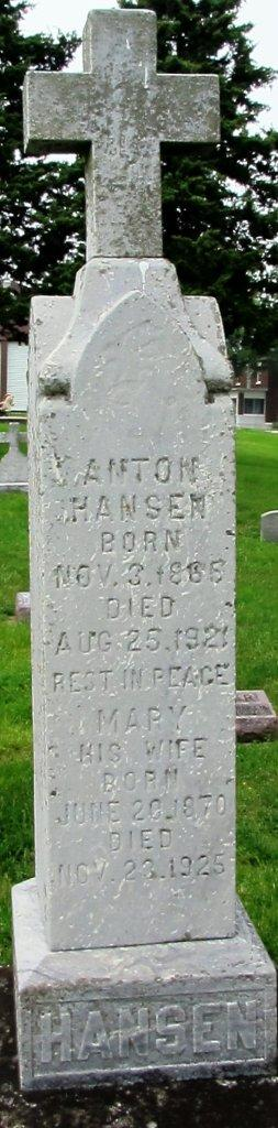 Anton Hansen & his wife Mary Theresa Neises had eleven children together.